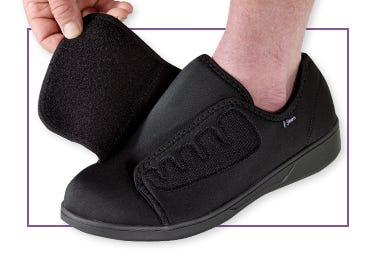 Chaussures très larges très profondes