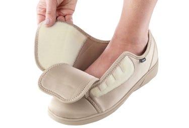 Chaussures très larges très profondes pour femmes